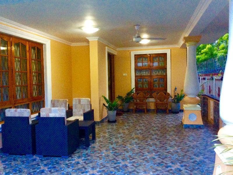 Negombo Budget Villa