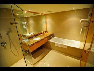 Kuva Chateau Hotel Taoyuan - Bathroom