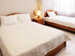 Yens Hotel 2