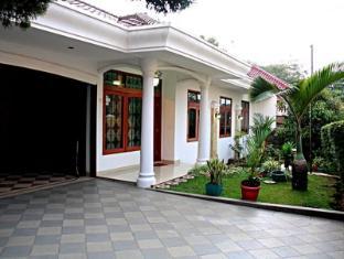 Indonesian Homestay Pasteur
