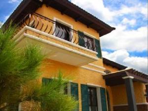 Courtyards of Portofino Evia City Guest House
