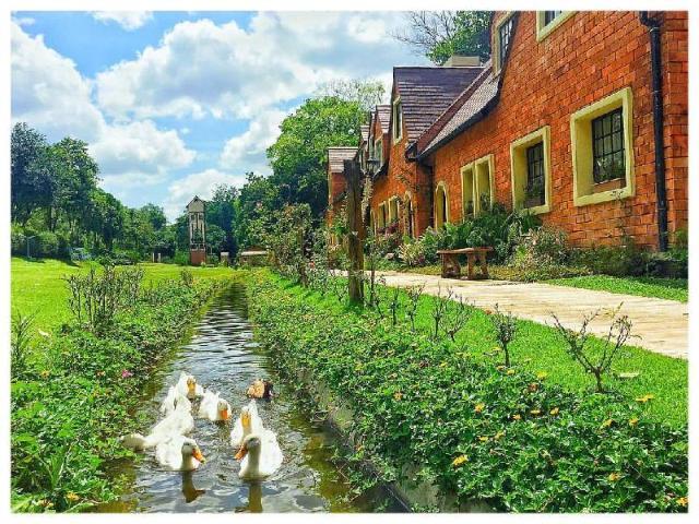 ไบบุรี รีสอร์ท – Bibury Resort