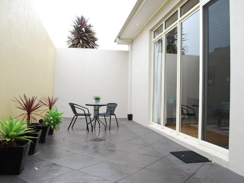 Courtyard Complex Serviced Apartments