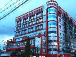 グランド プンチャック レスタリ ホテル (Grand Puncak Lestari Hotel)