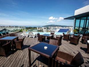 Marina Travellers Suite at Sky Karamunsing