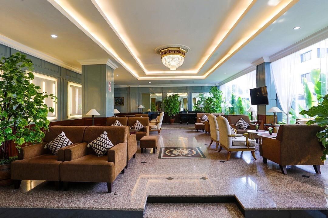 Johns Pardede International Hotel