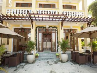 /fi-fi/nova-villa-hoi-an/hotel/hoi-an-vn.html?asq=vrkGgIUsL%2bbahMd1T3QaFc8vtOD6pz9C2Mlrix6aGww%3d