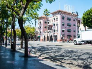 Hudson Apartel