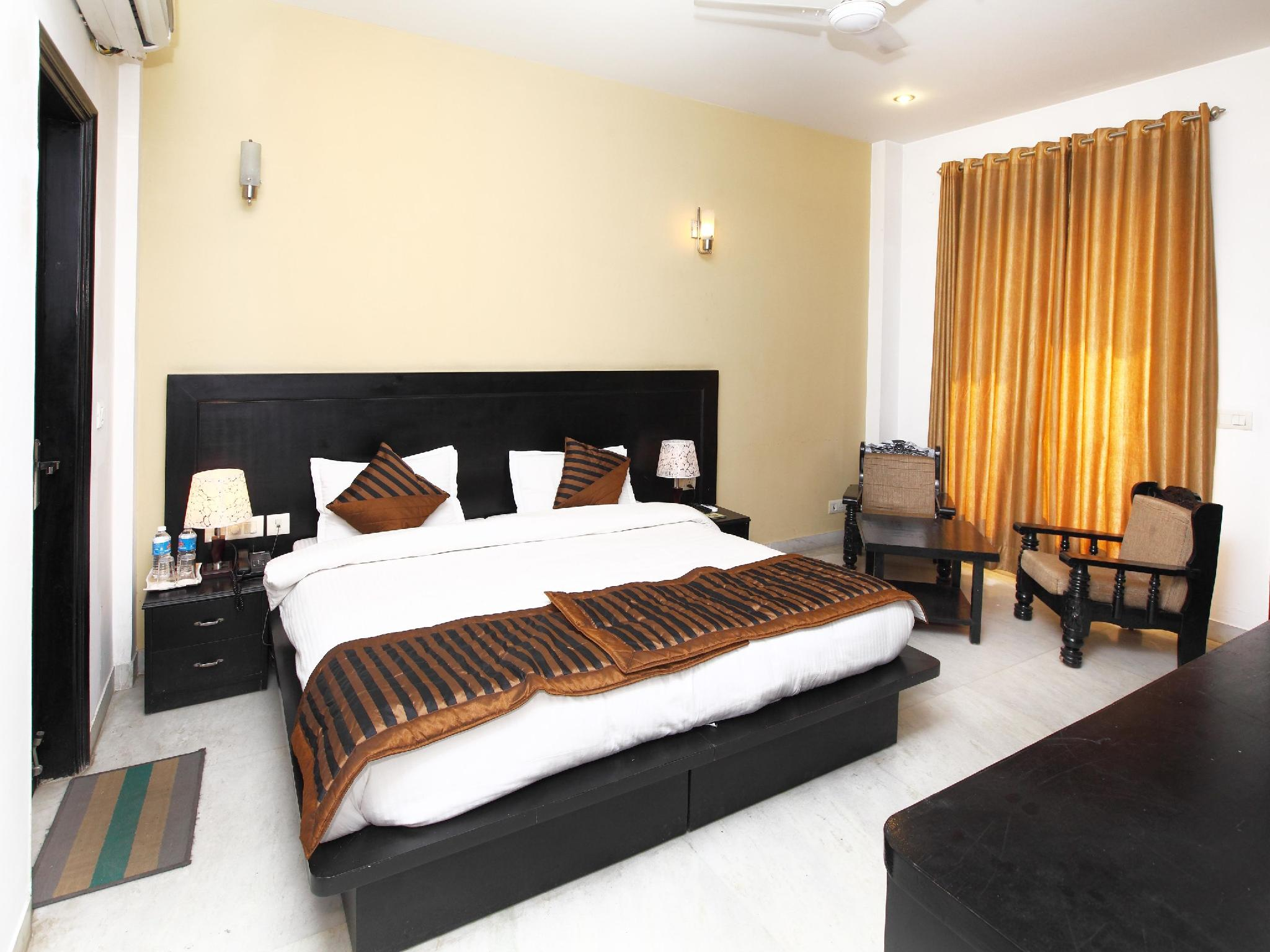 New Delhi And Ncr Half Day Connaught Place Tour Including