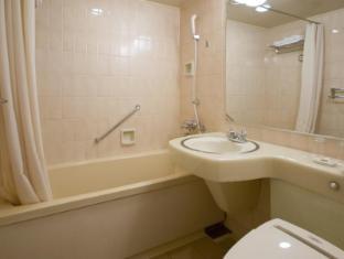 Hotel Grand Palace Tokyo - Bathroom