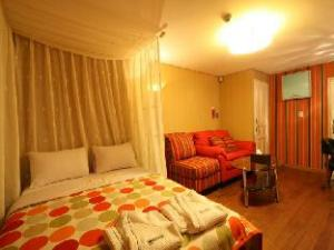Artdeco Motel