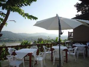 Chiang Khong Hill Resort