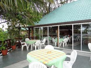 Nasandhura Palace Hotel Male City and Airport - Trends Restaurant - Terrace