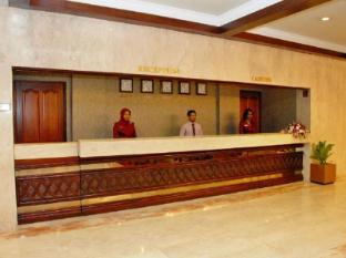 Nasandhura Palace Hotel Male City and Airport - Reception