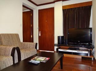 Nasandhura Palace Hotel Male City and Airport - Suite Room - Living Area
