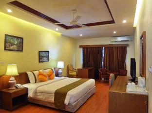 Nasandhura Palace Hotel Male City and Airport - Deluxe Room - Bedroom