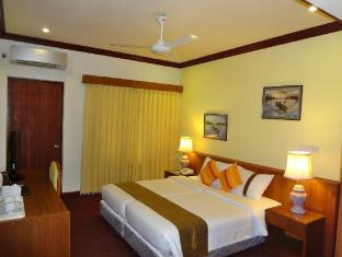 Nasandhura Palace Hotel Male City and Airport - Superior Room - Bedroom