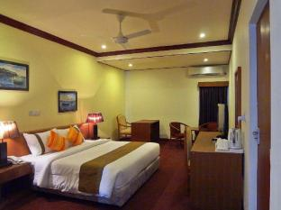 Nasandhura Palace Hotel Male City and Airport - Suite Room - Bedroom