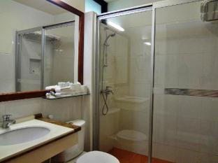 Nasandhura Palace Hotel Male City and Airport - Deluxe Room - Bathroom