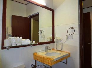 Nasandhura Palace Hotel Male City and Airport - Premier Room - Bathroom