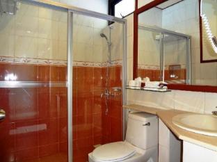 Nasandhura Palace Hotel Male City and Airport - Superior Room - Bathroom