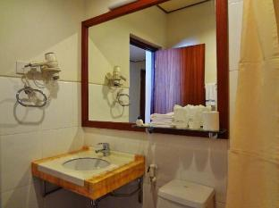 Nasandhura Palace Hotel Male City and Airport - Suite Room - Bathroom