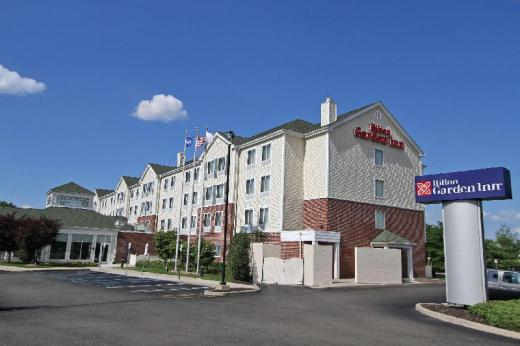 Hilton Garden Inn Westbury Hotel
