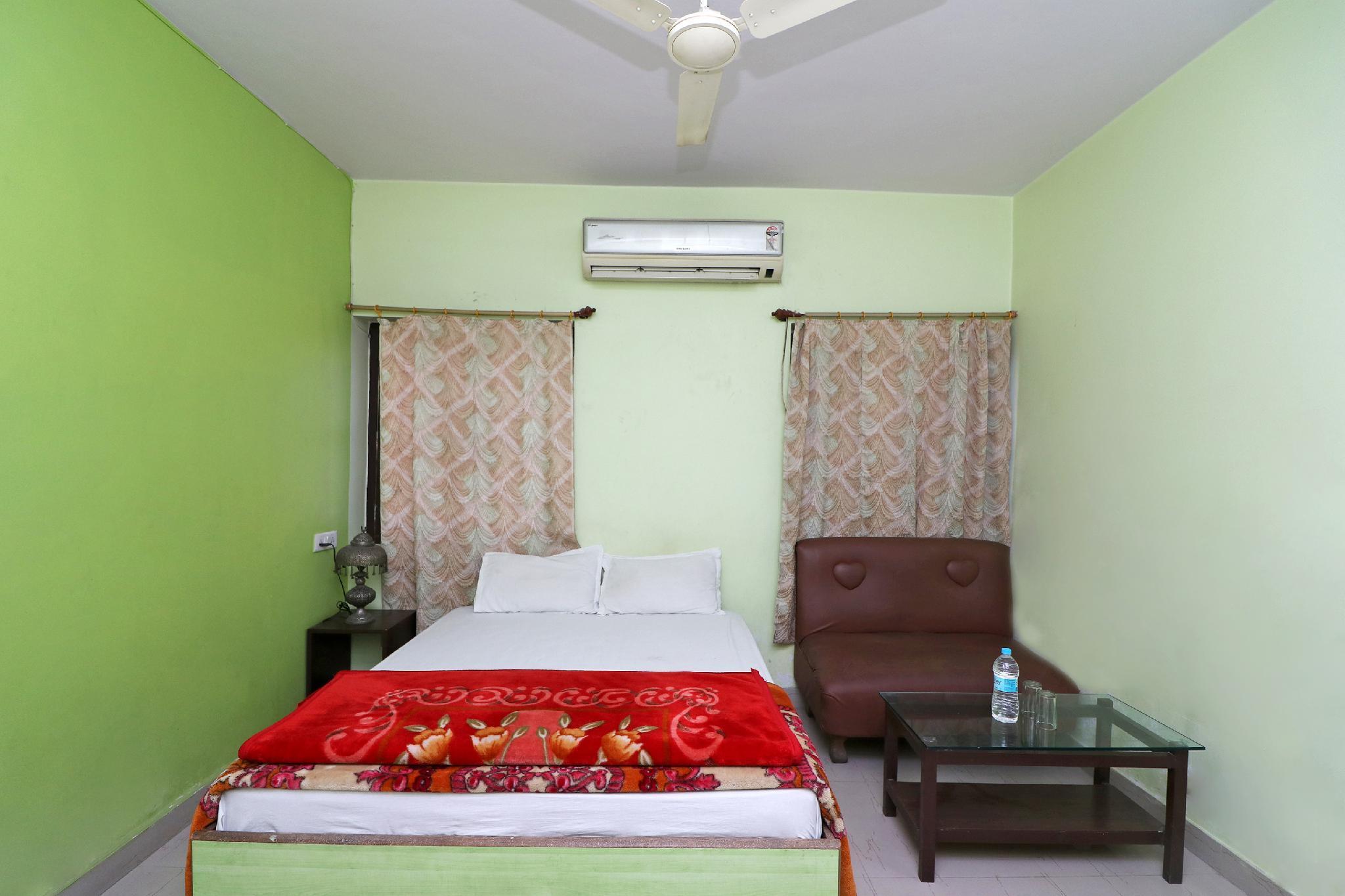 SPOT ON 42114 Hotel Ashoka