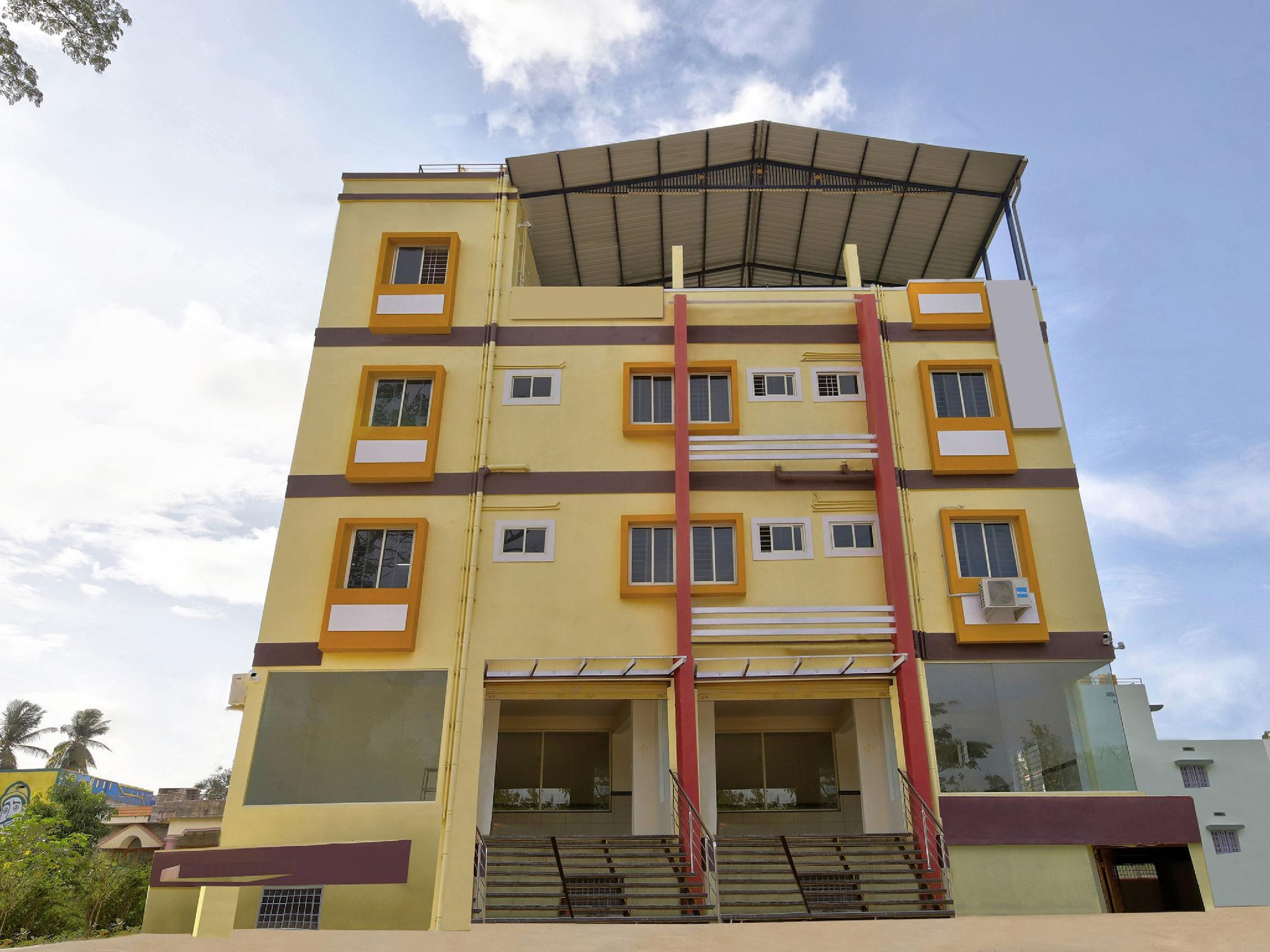 OYO 39837 Sri Anjaneya Residency