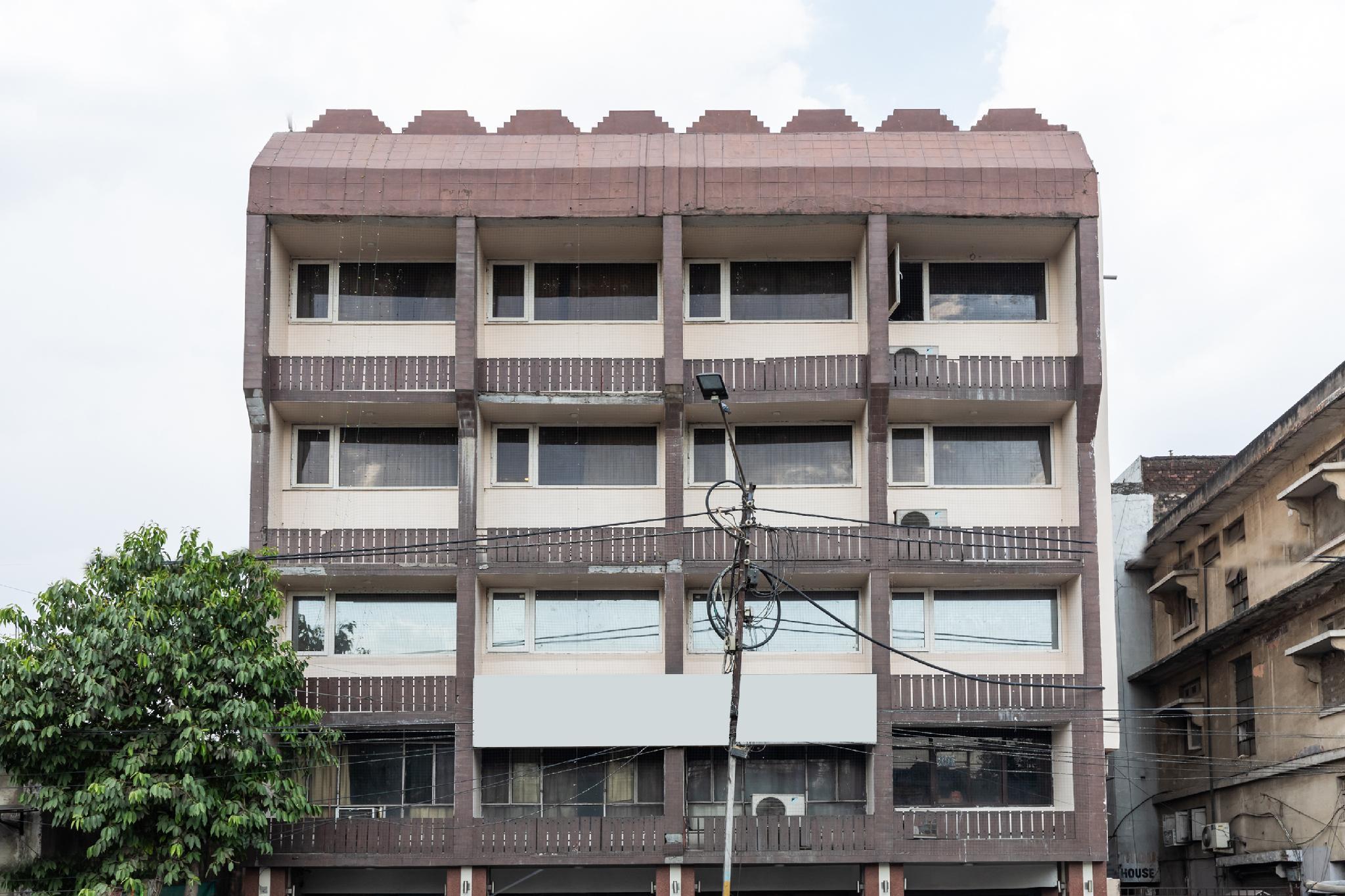 Capital O 32128 Hotel Surya