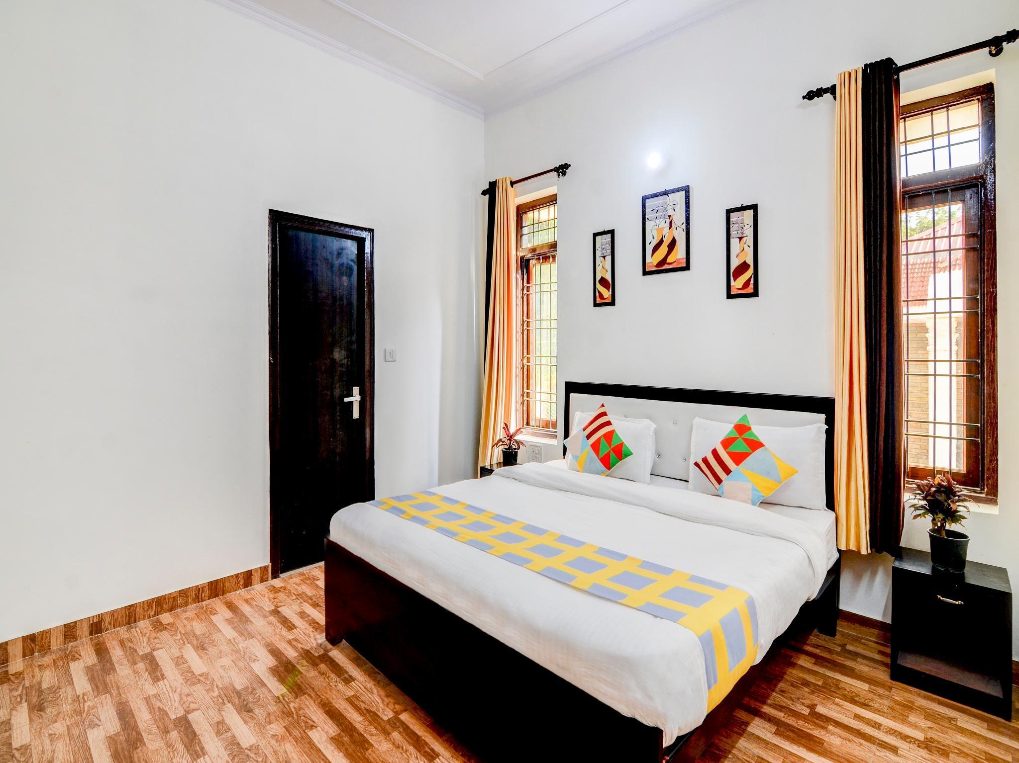 OYO 37695 Luxurious Stay Bhimtal