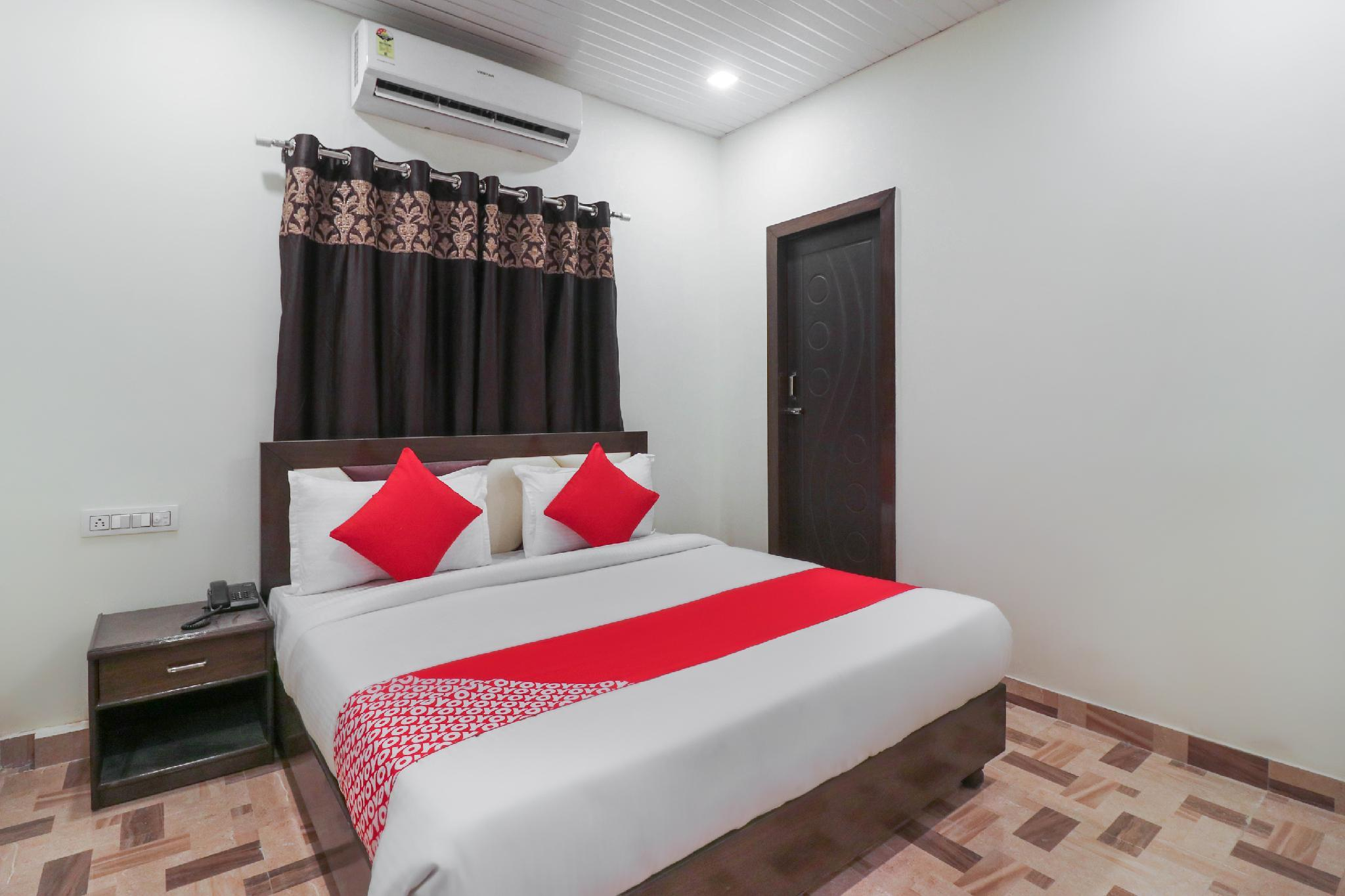 OYO Flagship 39655 Hotel Sudarshan Rishikul New Colony
