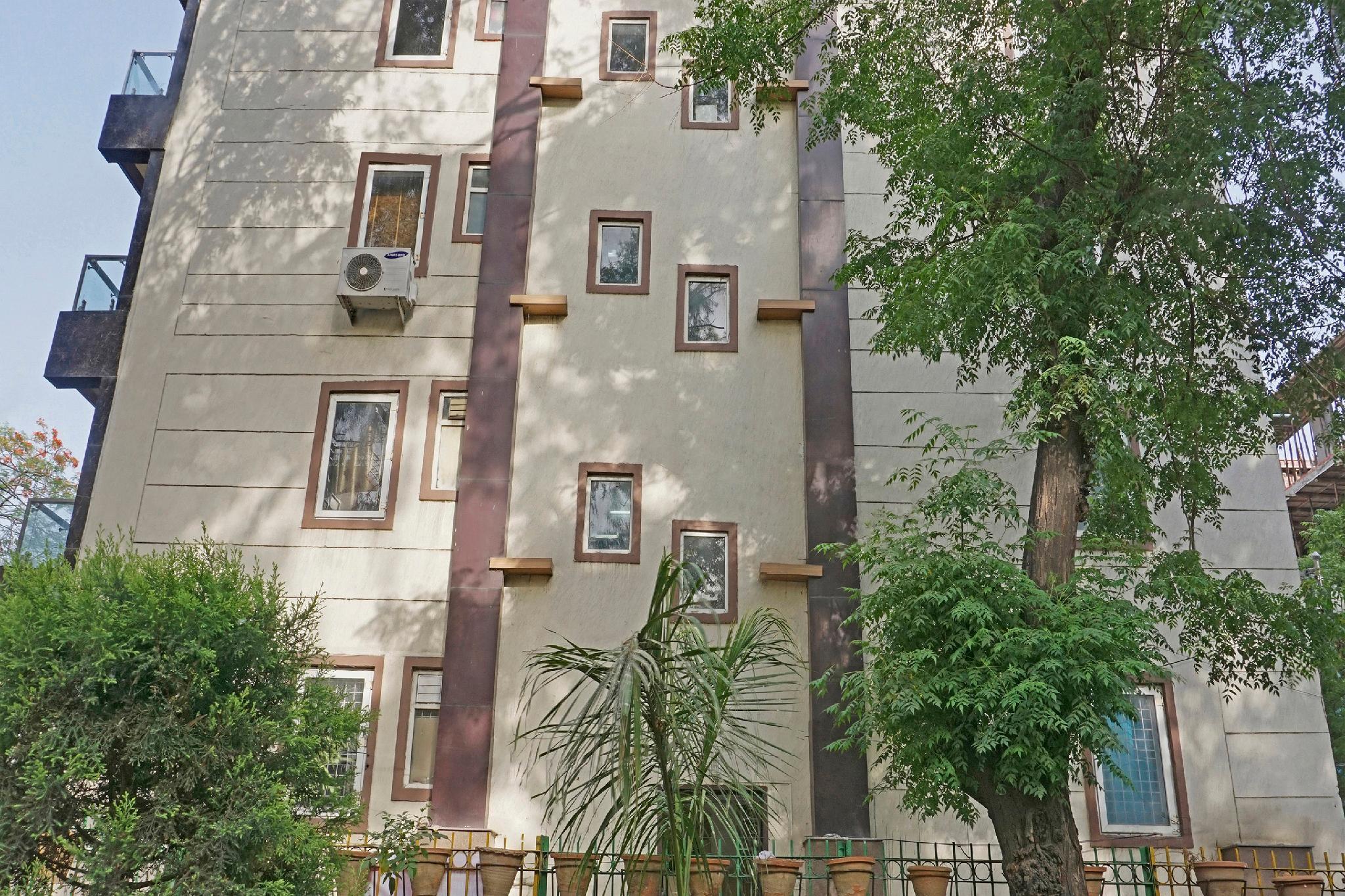 OYO 37547 Elegant Studios Lajpat Nagar