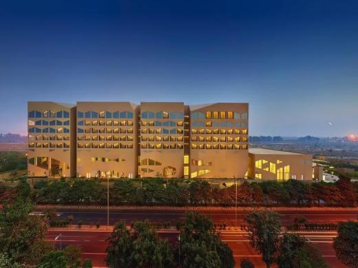 Vivanta by Taj Dwarka New Delhi Hotel