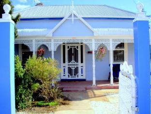 Ella's Place Cottage