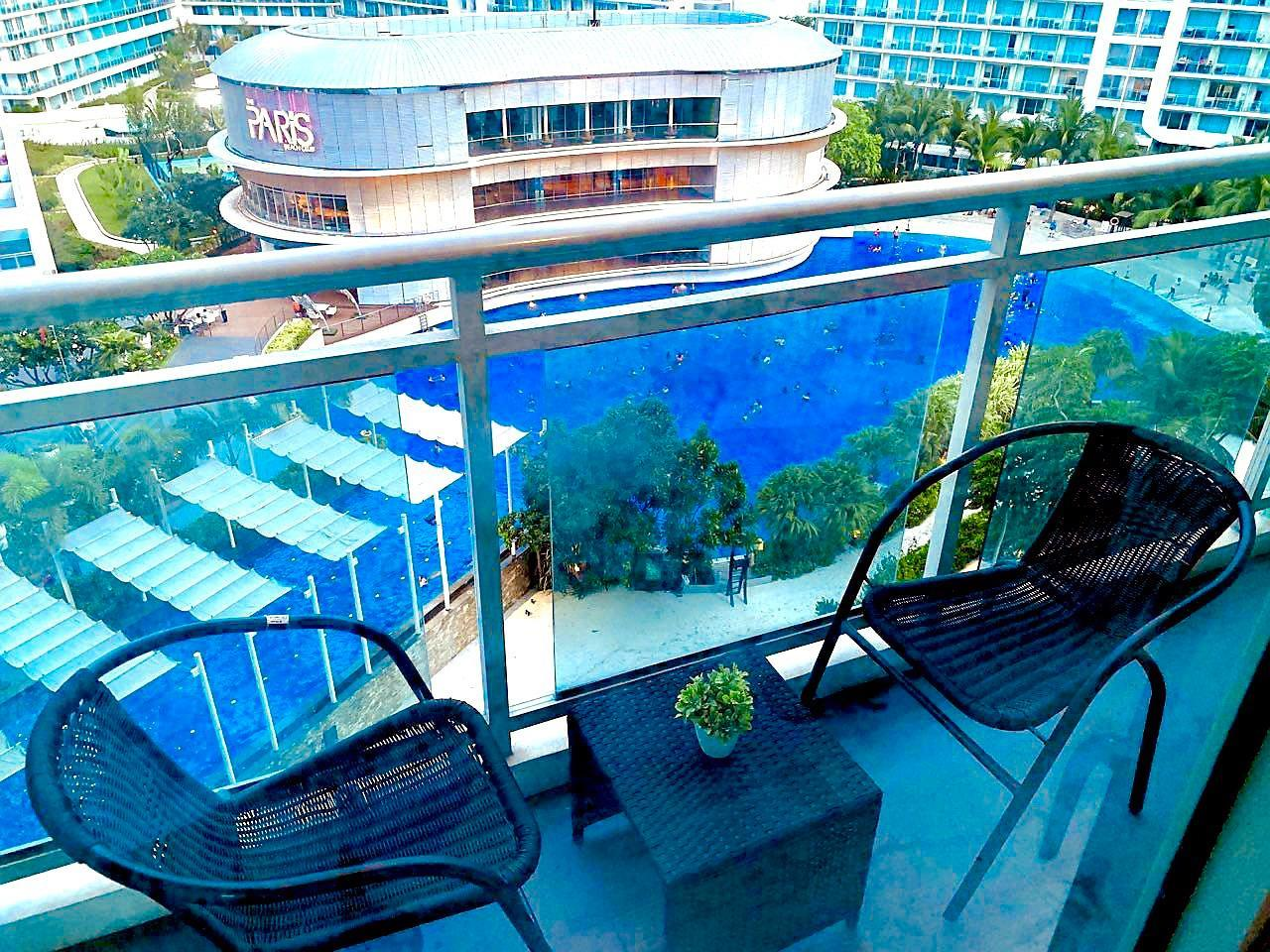 Luxury Apartment w/ Fast WiFi+Parking near Airport