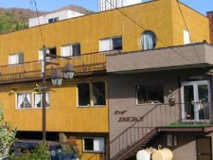 ลอดจ์ เอ็ดมอนตัน (Lodge Edmonton)