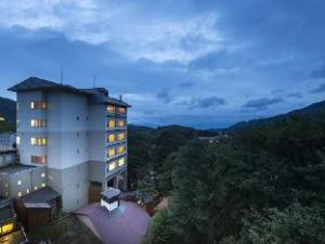芦森德高见屋酒店 (Takamiya Hotel Lucent)