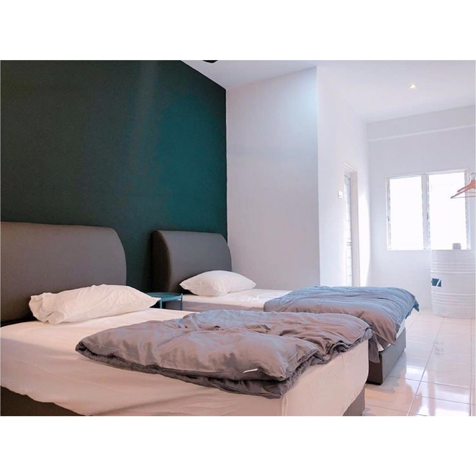 22 Haus  Twin Bed For 2 With Share Bathroom