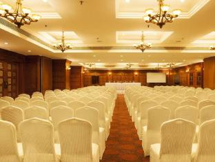 The Accord Metropolitan Hotel Chennai - Emerald - Meeting Room