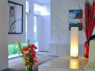 Le Fenix Sukhumvit 11 Bangkok by Compass Hospitality Bangkok - Elegant culinary options with calming interior design throughout the hotel