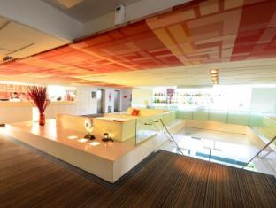 Le Fenix Sukhumvit 11 Bangkok by Compass Hospitality Bangkok - 24 Hours Reception and concierge