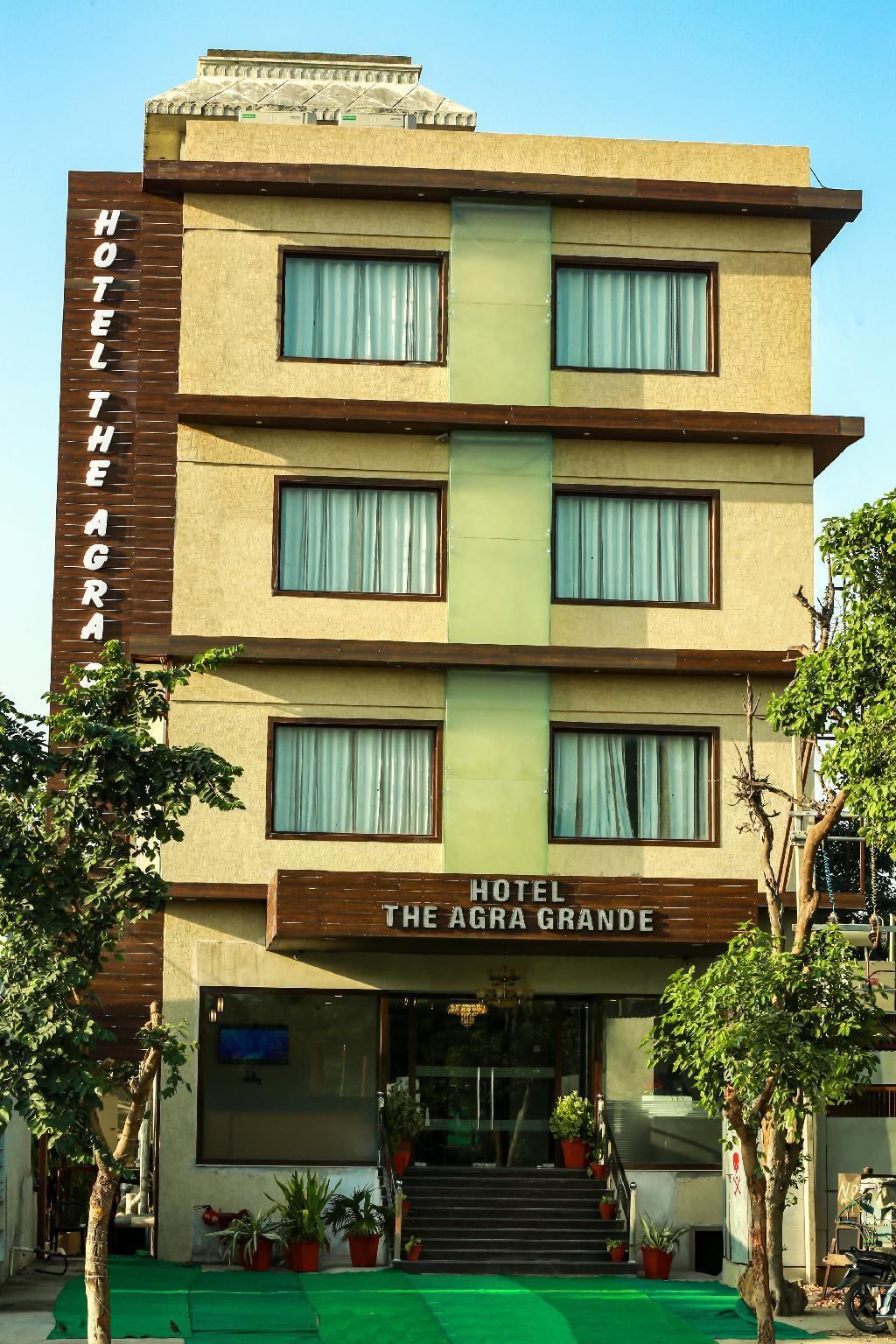 Hotel The Agra Grande