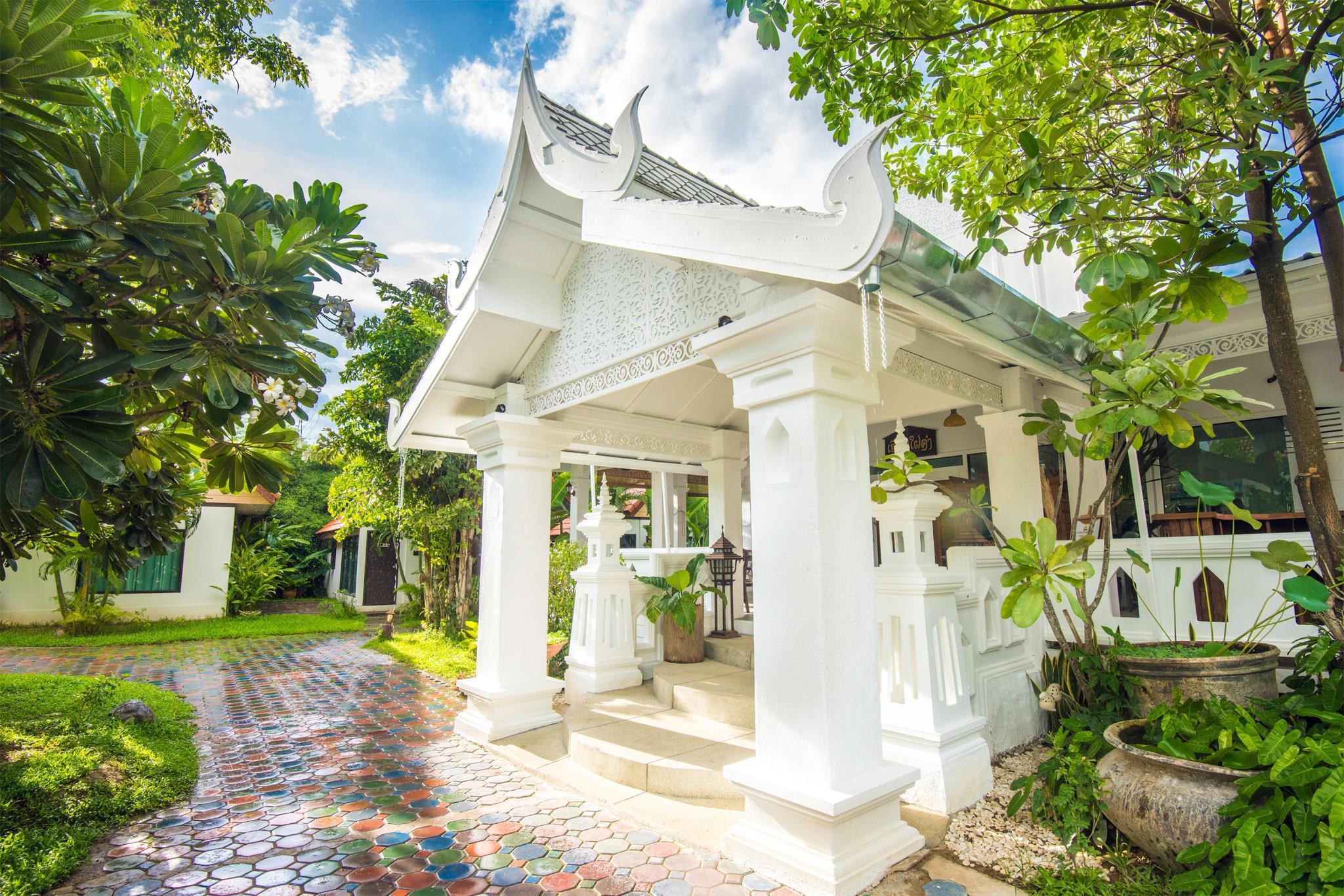 ดูรูปเยอะๆกับ อี-เอ๊าต์ฟิตติ้ง บูทิก โฮเต็ล เชียงใหม่ (E-Outfitting Boutique Hotel Chiangmai) ลดกระหน่ำ