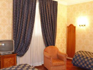 Hotel Pace Helvezia Rome - Guest Room