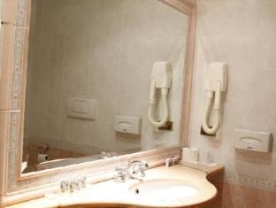 Hotel Pace Helvezia Rome - Bathroom