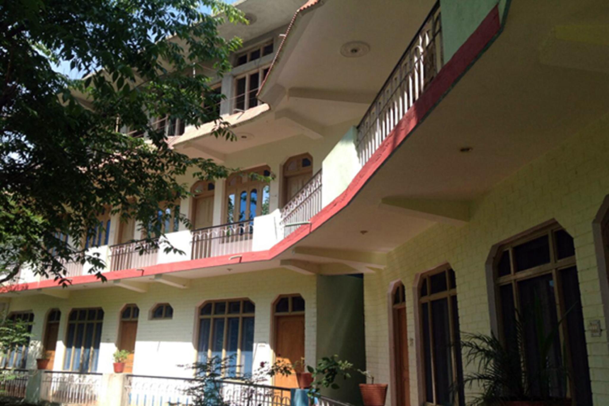 Hotel Riya Residency By Raatri
