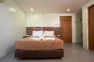 picture 2 of Rianne Hotel and Suites