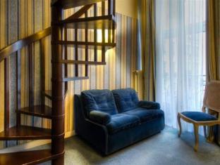 Hotel Baudelaire Opera Paris - Guest Room