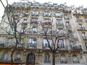 Apartment Avenue Secretan Paris